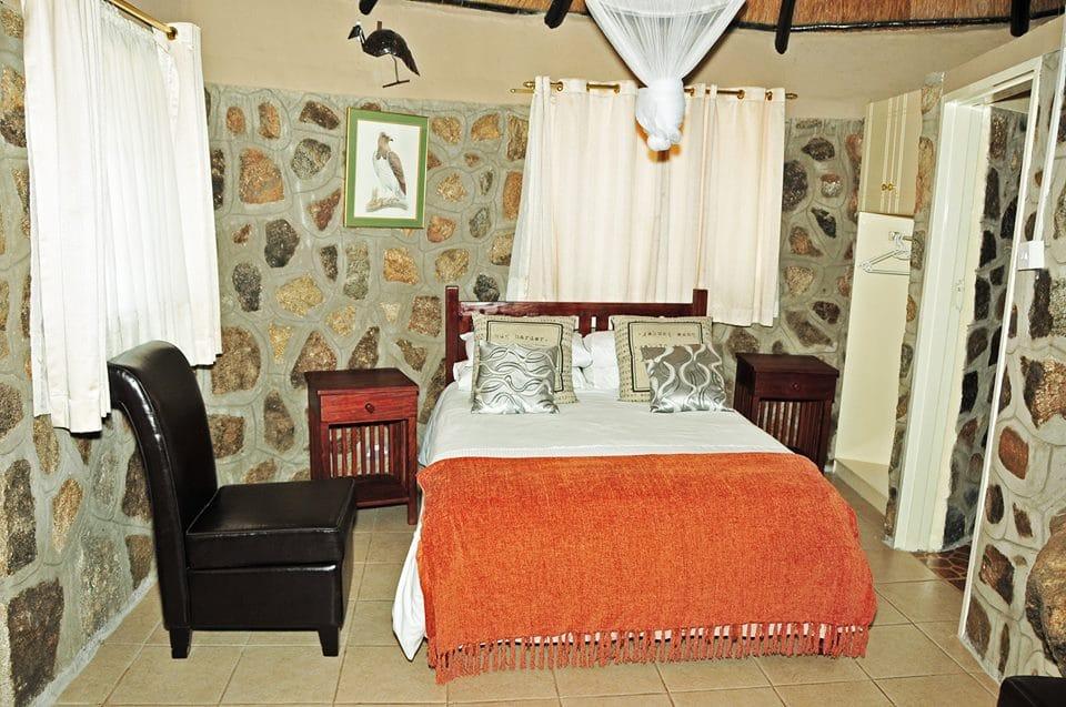 Phomolo Safari Lodge