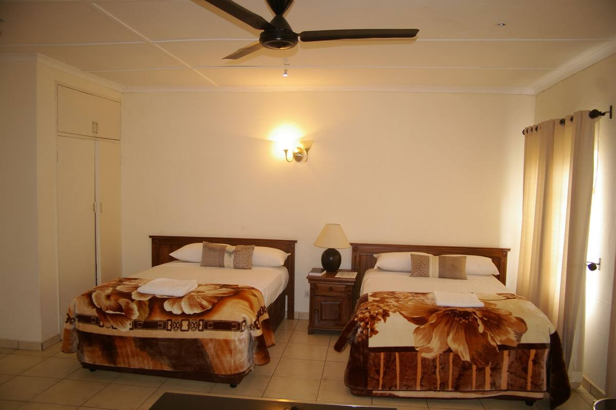 Khanondo Guest House