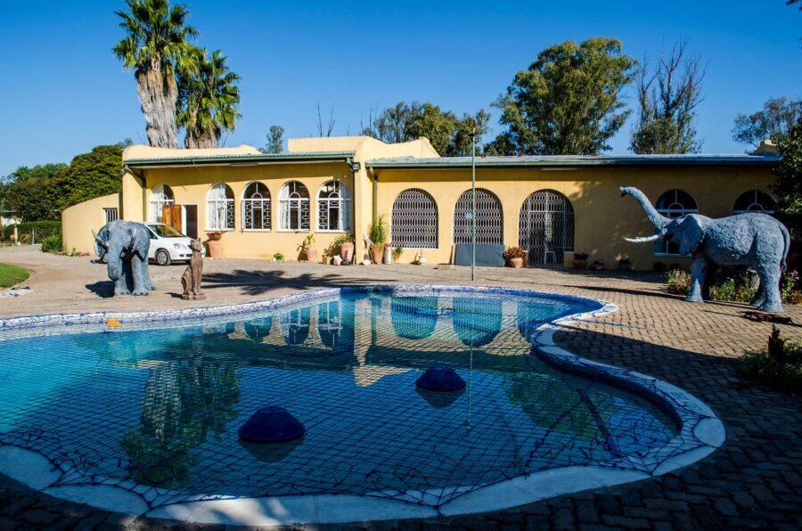 Grand Palm Lodge