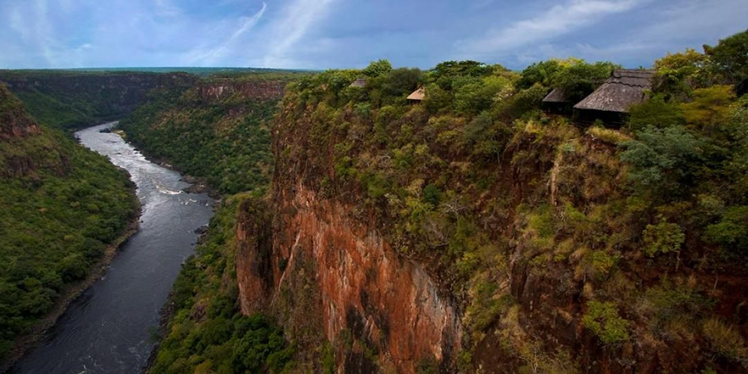 Gorges Lodge is on the edge of the Batoka Gorge